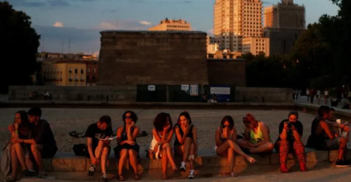 Экономика Еврозоны восстанавливается? Скажите это безработной европейской молодежи