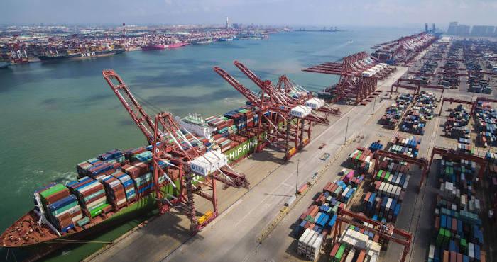 Удручающие данные и торговая война подогревают опасения за мировую экономику