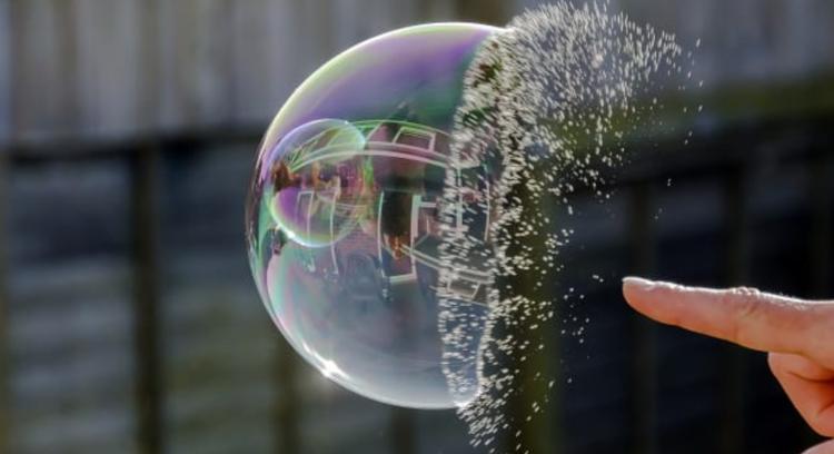 Даже швейцарские банки оказались во власти пузыря